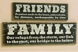 Trätavla Family (under)