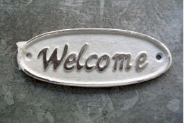 Skylt i gjutjärn vit, Welcome